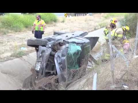 Accident 405 southbound truck rollover