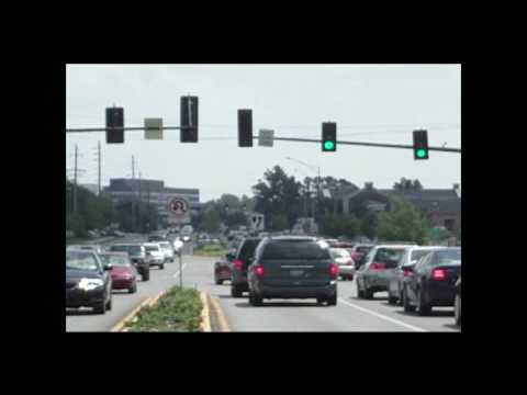Driving through intersections with flashing left-turn arrows